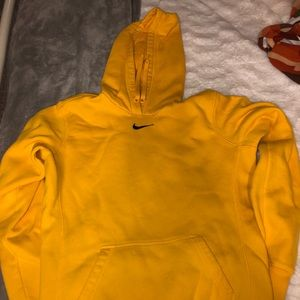 Nike small hoody yellow